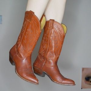Shoes - Sold💕 Nacona brown leather cowgirl boots 6.5